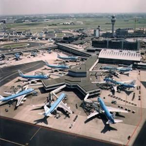 Schiphol vanuit de lucht